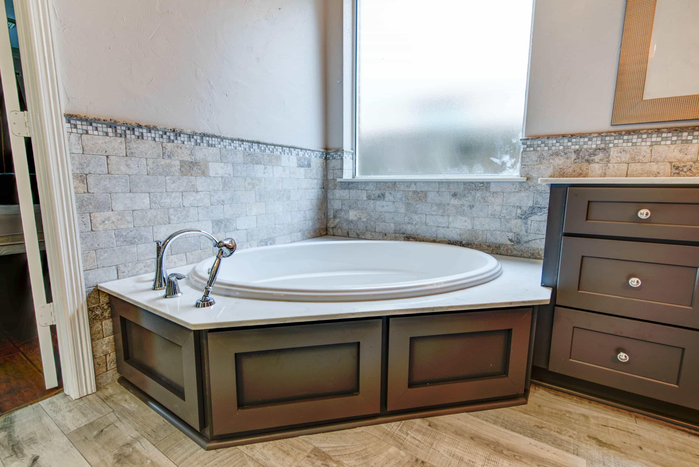 Exelent Tile Bathroom Remodel Composition Bathtub Ideas